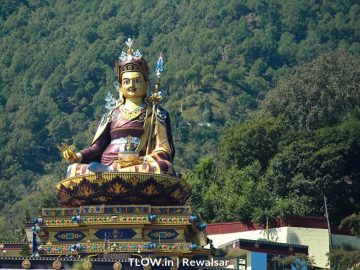 close-up-of-padmasambhava-statue