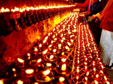 light_butter_lamps
