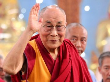170117154334-dalai-lama-medium-shot-waive-exlarge-169